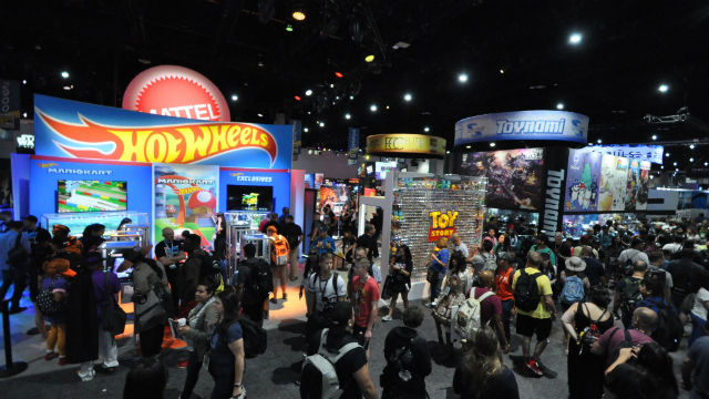 Crowds at Comic-Con 2019 on opening day