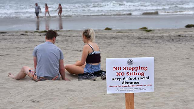 Not everyone was aware of the keep moving guidelines at Ocean Beach.