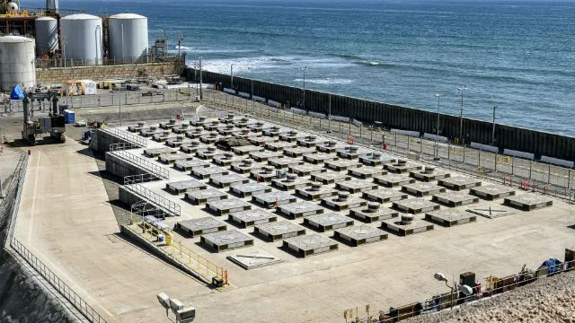Canister storage at San Onofre