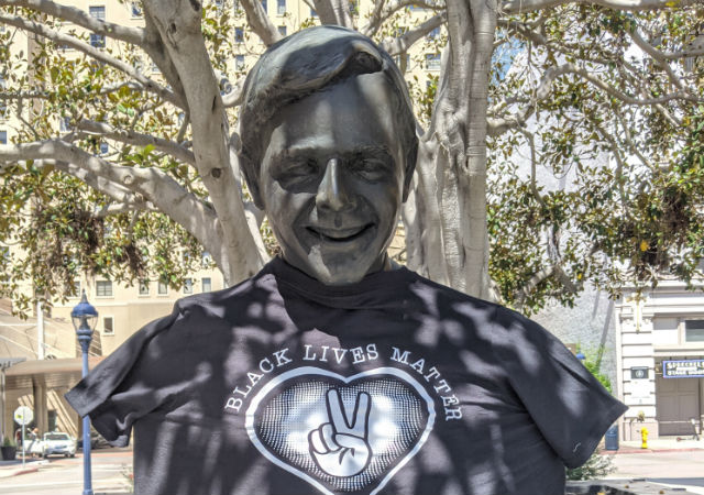 Pete Wilson statue in BLM shirt