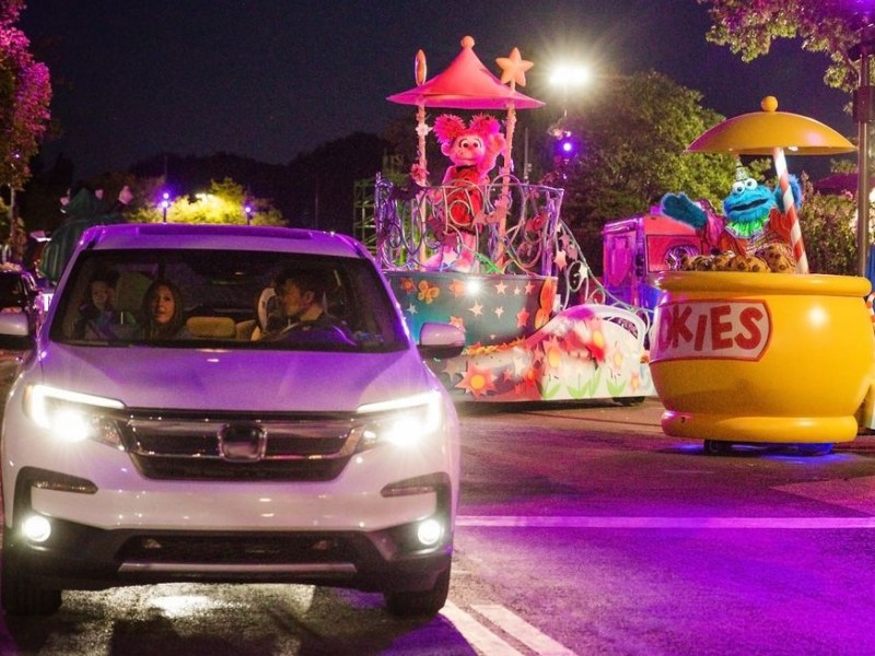 Lights Drive-throughs Amusement parks