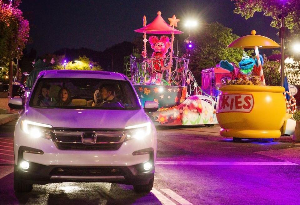 Lights Drive-throughs Amusement parks