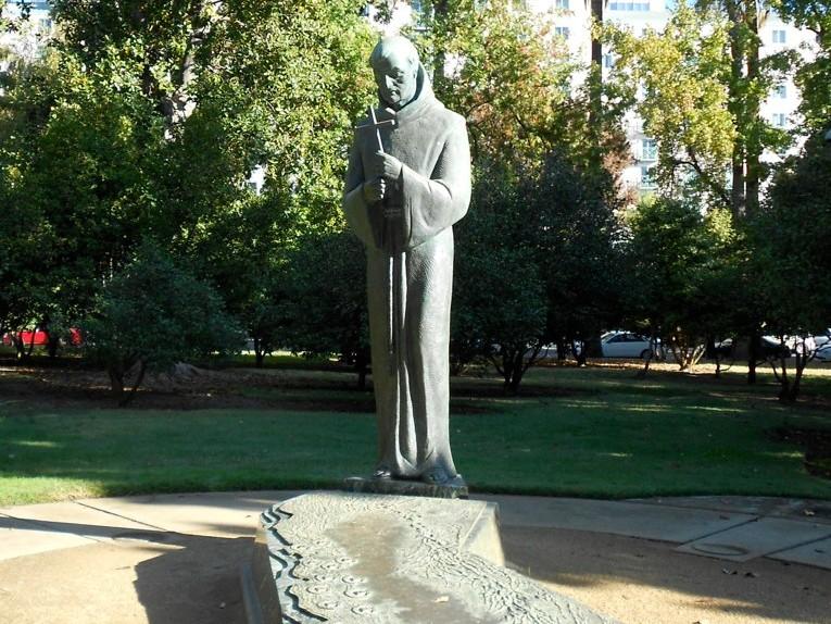 Junípero Serra statue in Capitol Park