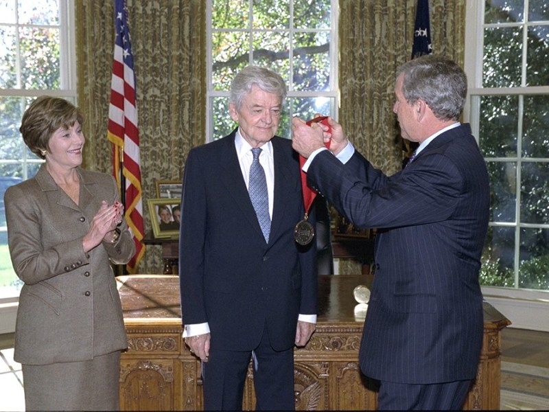 Hal Holbrook with President George W. Bush