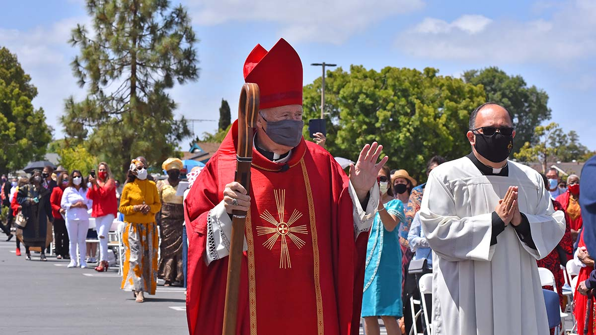San Diego Bishop Robert mcElroy greets parishioners at Good Shepherd Catholic Church in Mira Mesa. Photo by Chris Stone