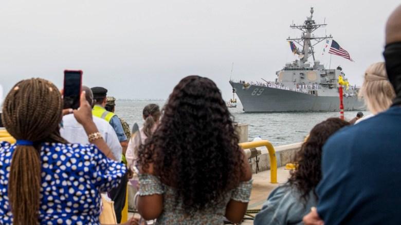 USS Mustin arrives in San Diego
