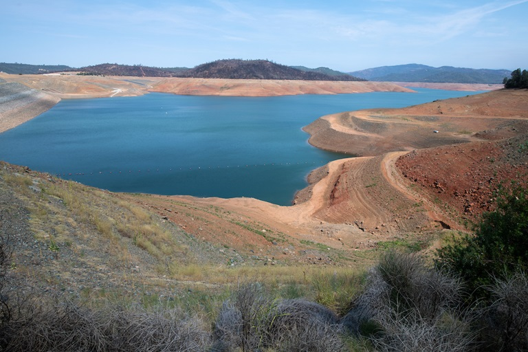 Lake Oroville in July