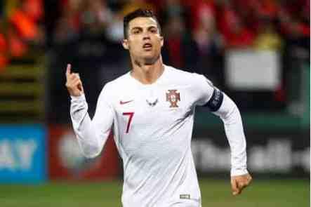 Cristiano Ronaldo fans