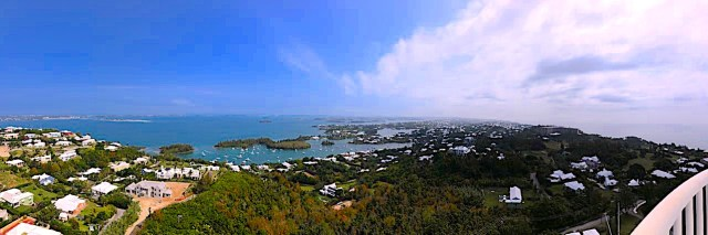 Panoramic view of the entire country of Bermuda.