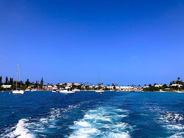Departing Cambridge Beach resort to go on a snorkel tour.
