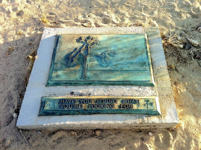 A plaque at Joshua Tree shrine