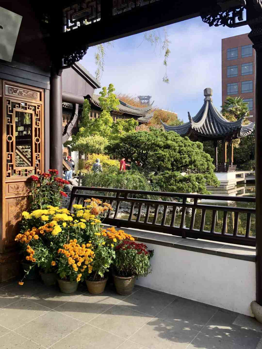 Cool places to go in Portland - Lan Su Chinese Garden