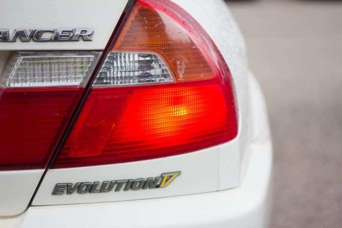 JDM Mitsubishi Lancer EVO V tail light