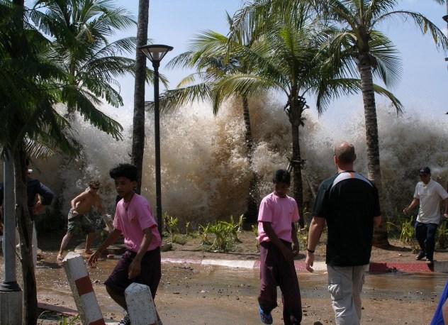 2004-tsunami photo