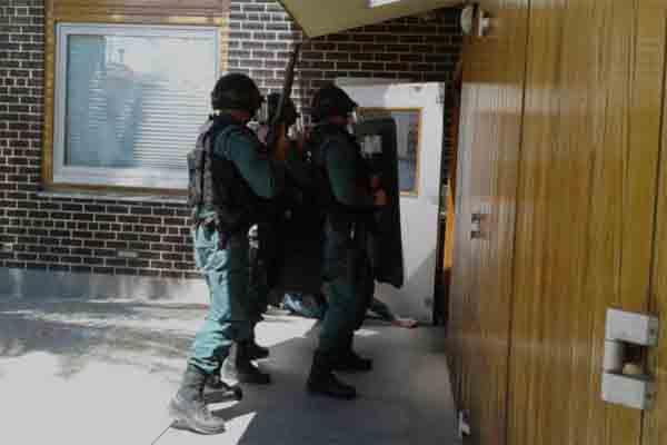 Se entrega el Policía que se atrincheró en los Juzgados de La Almunia