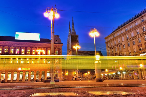 zagreb croatia at night