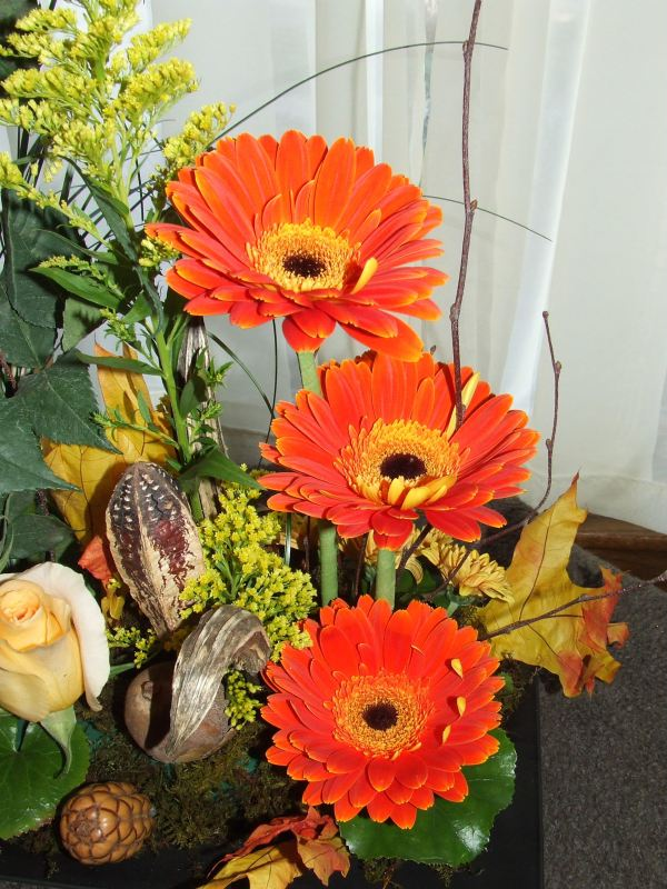Contemporary Fall Floral Designs