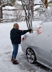 Mom got busy clearing her car