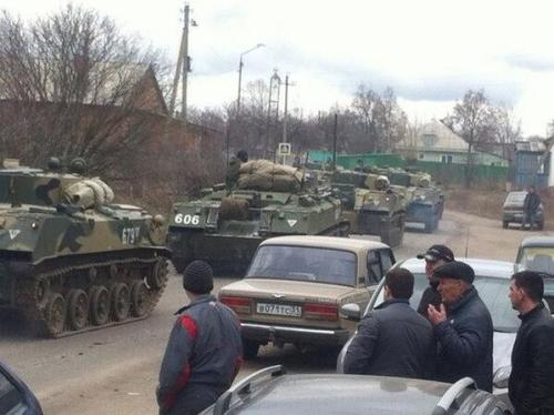 Ukraine 2014: Russian armour on the Ukraine border.
