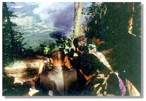French Troops watch a NATO airstrike near Sarajevo (ECPA)