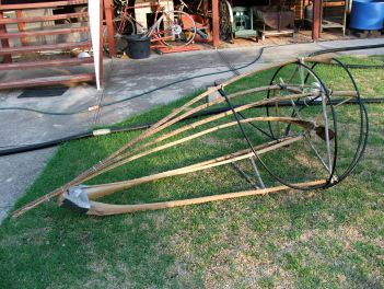 Closed claw frame, made from palm tree fronds and pvc irrigation pipe.