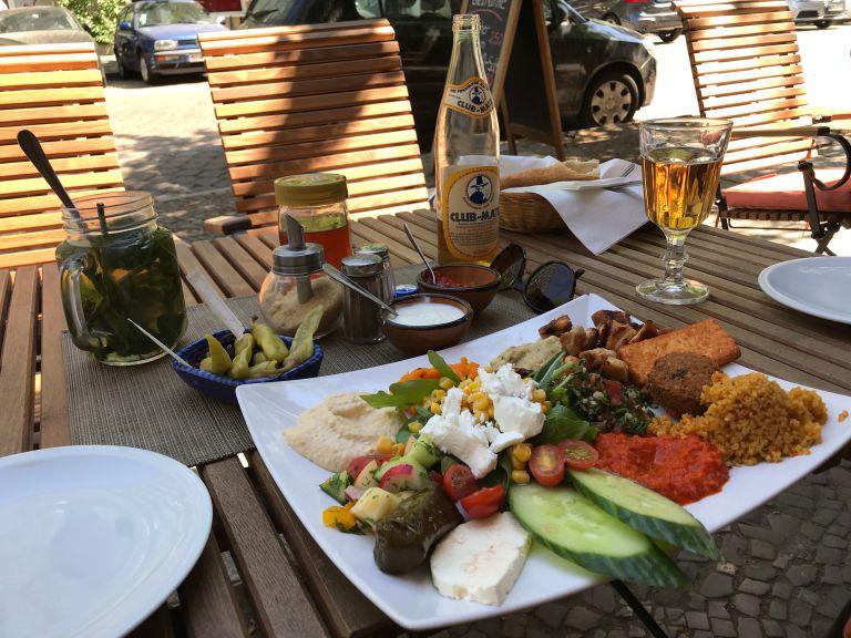Salsabil 2 restaurant eten Oost-Berlijn