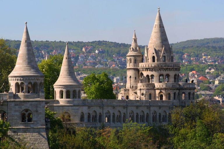 Vissersbastion budapest Matthiaskerk boedapest donau 15x waarom