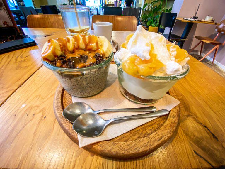 Ontbijt bij de Yoghurt Barn  in charmant haarlem eten