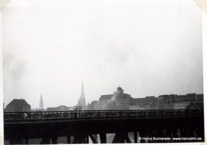 Oberhafenbrücke, Blick zur Innenstadt (Pap307d)