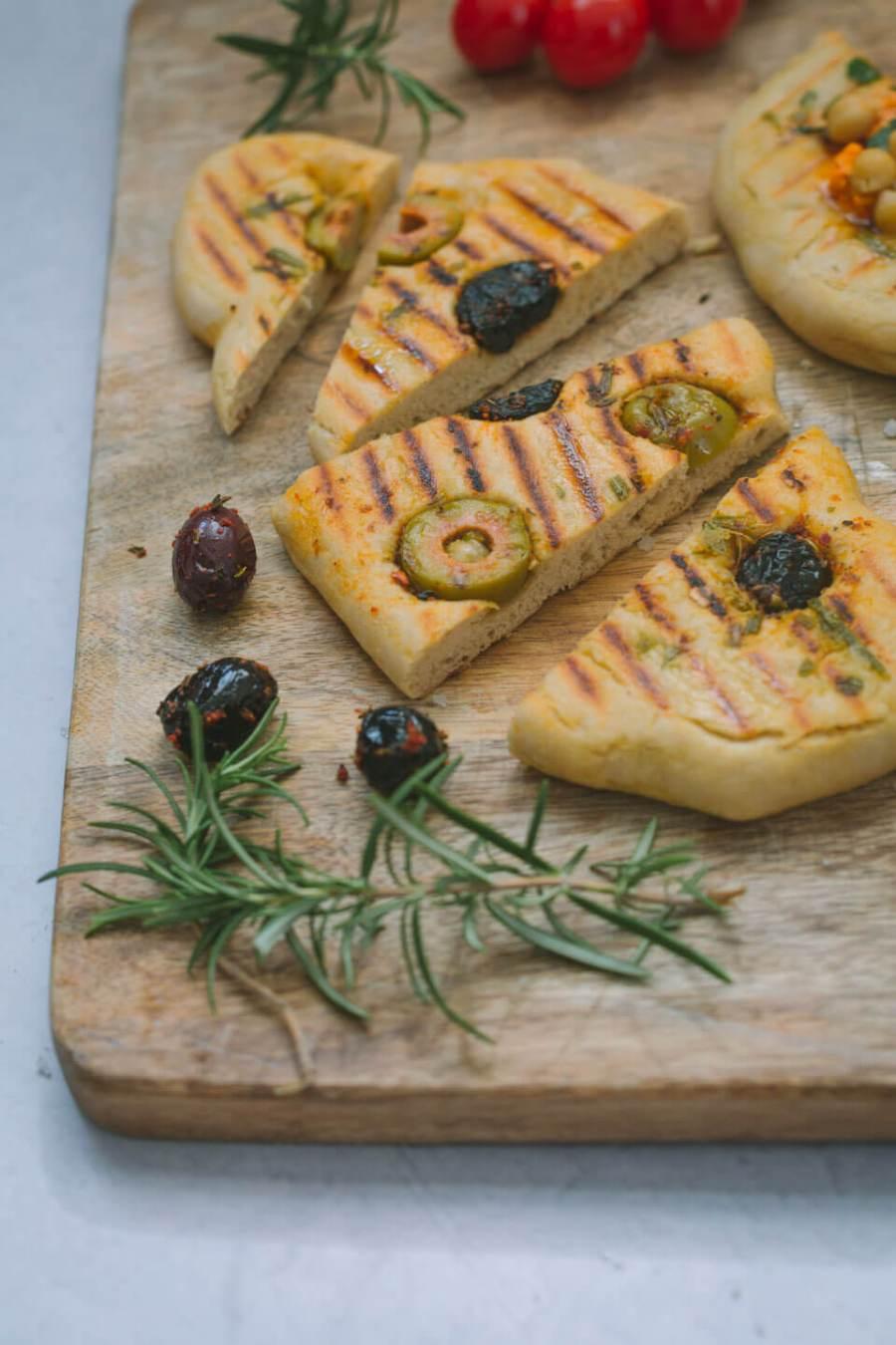 Grillbrot mit Oliven