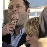 vince_vaughn_and_owen_wilson_eat_ice_cream