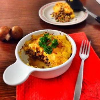 Wish I had thought of this earlier! #Healthy Dinners: Sweet potato and Butternut squash shepherds pie. Delicious comfort food, packed with nutrition.