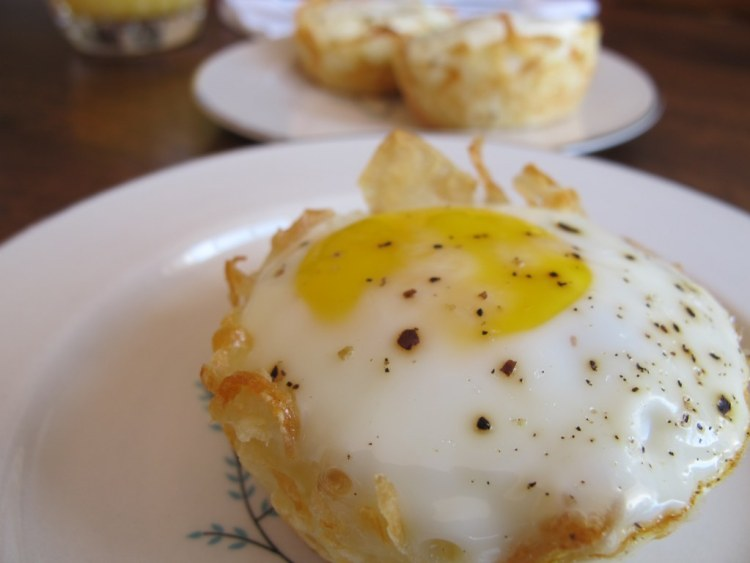 03Eggs_in_Hash_Brown_Nests_1024x768