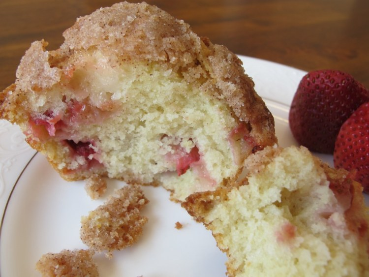 09Strawberry_Muffin_With_Crumb_Topping_1024x768