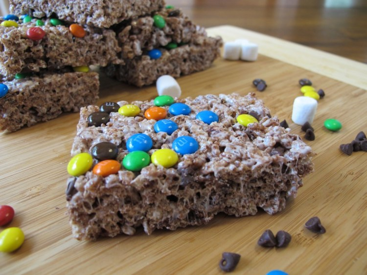 06Triple_Chocolate_Rice_Krispie_Treats_1024x768