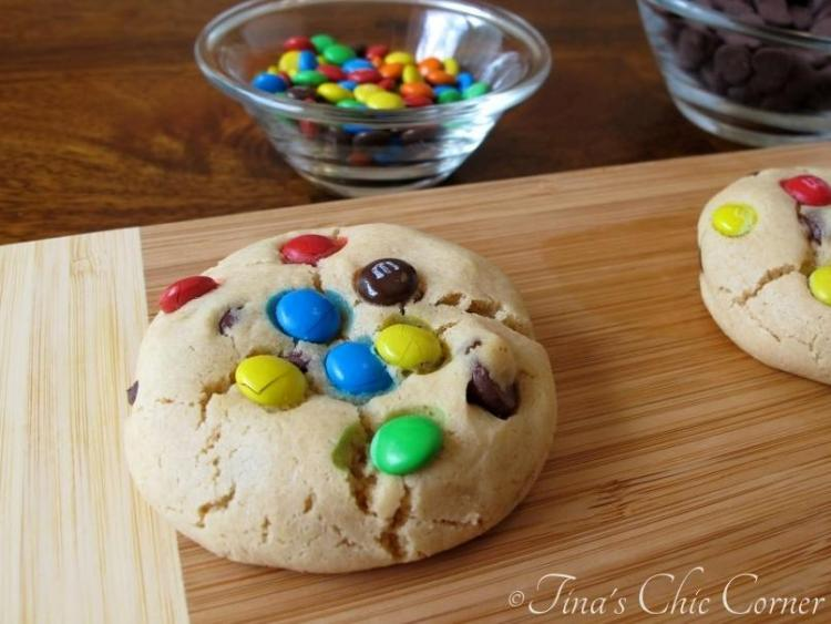 04-1Soft Peanut Butter Cookies with M&Ms and Chocolate Chips