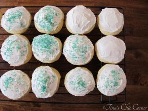 13Soft Frosted Sugar Cookies