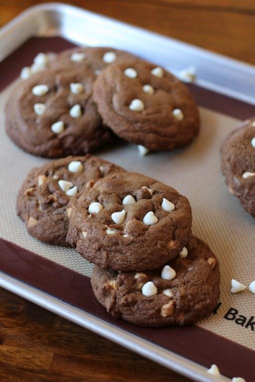 13Essence of Chocolate Cookies
