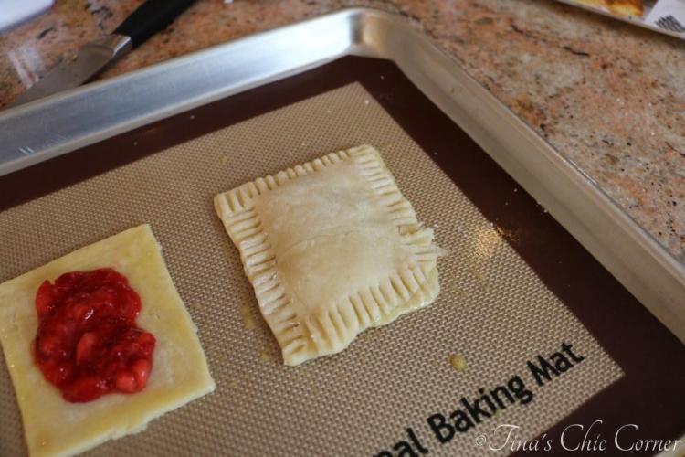 03Strawberry Hand Pies