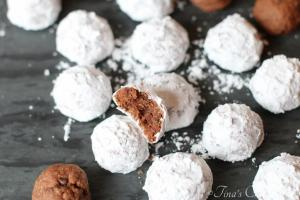 Double Chocolate Snowball Cookies09