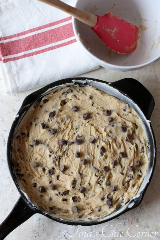 Chocolate Chip Skillet Cookie01