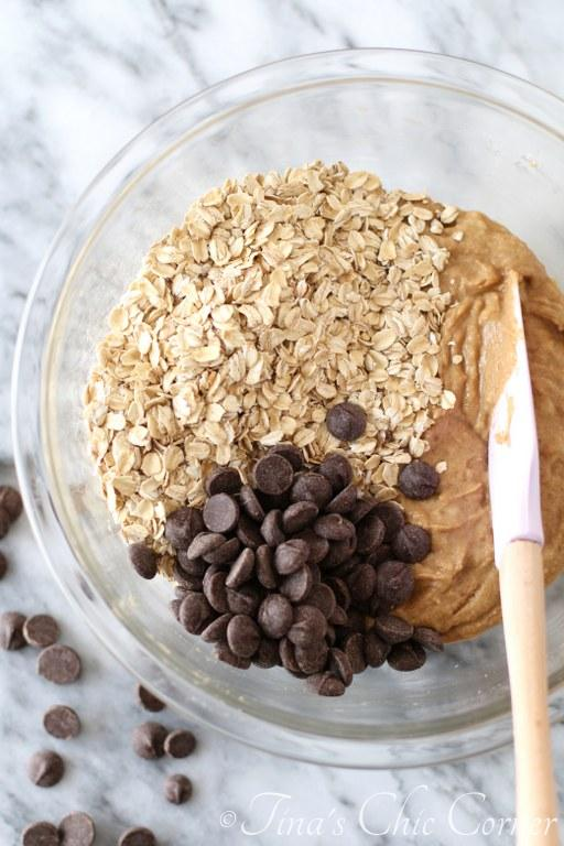 Whole Wheat Banana Oatmeal Chocolate Chip Cookies01