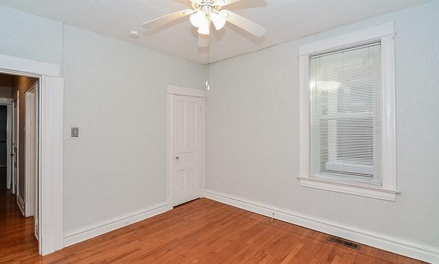 bedroom b3