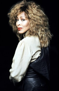 Tina Turner - Look Me In The Heart photo session - 1989 (5)