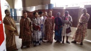 Femmes de la brousse, teinturières et tisseerandes de Majunga (Nord-Ouest de Madagascar) - 1er jour de l'IFPECO - elles feront de nombreuses démonstrations