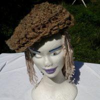 Béret marron, teinture naturelle, mouton, crochet