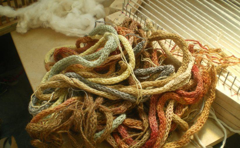 Echantillons de teintures naturelles sur laine