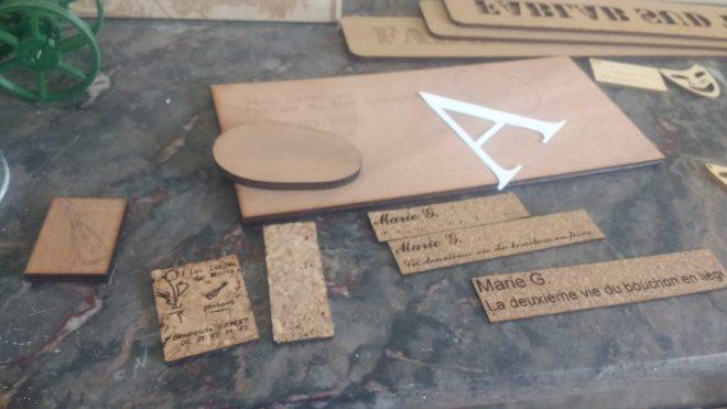 Etiquettes en liège, gravées au FabLab de Loches, France