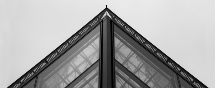 bird, pyramide, louvres, paris, france