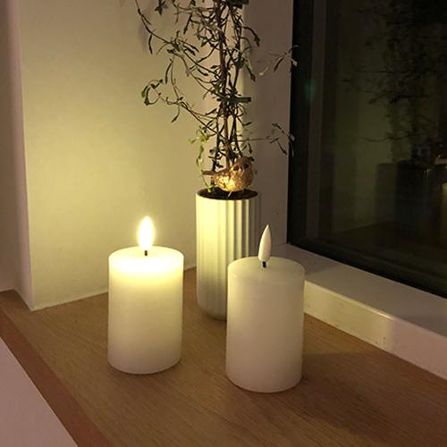 Led bloklys - hvidt - diameter 5 cm og højde 7 cm